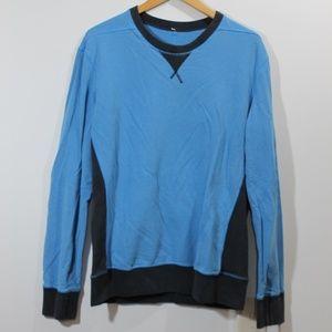 Lululemon sweatshirt with thumholes sz L